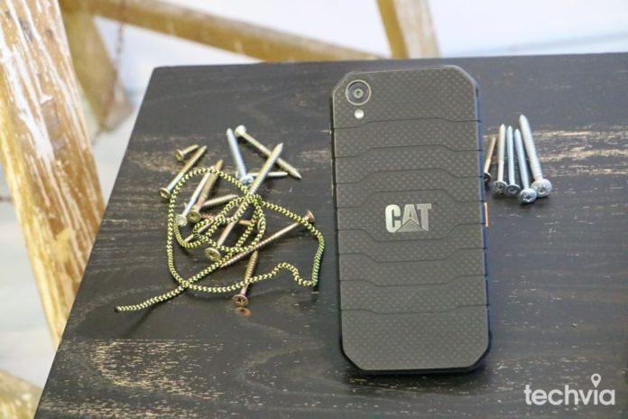 vodeodolny telefon CAT S41