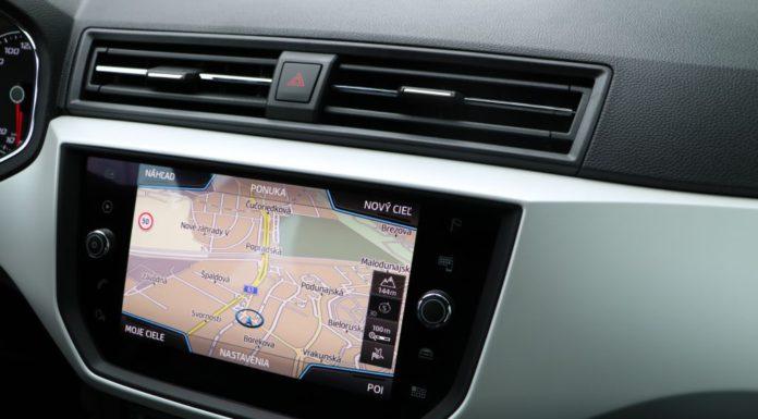vynikajúca navigacia v aute Seat Arona