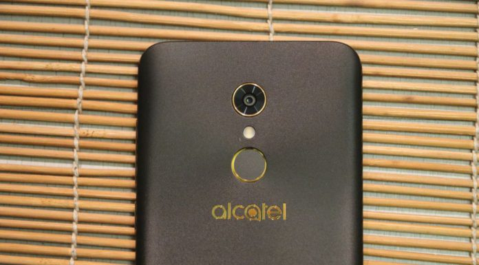zadny fotoaparat telefonu Alcatel A7