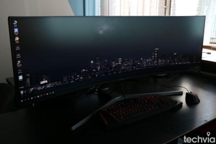 Recenzia_Samsung CHG90 49 QLED Gaming Monitor