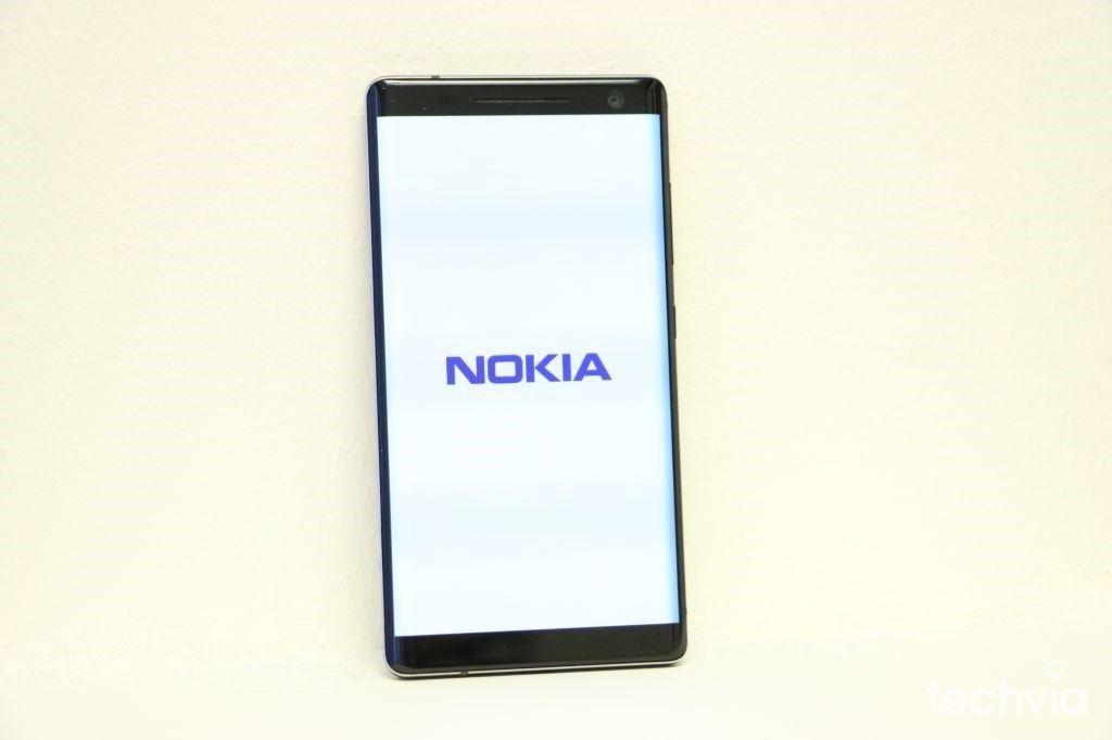 172ea57a3 Do redakcie nám prišiel praktický smartfón Nokia 8 Sirocco, ktorý zaujme  nielen svojou kompaktnosťou, ale aj dizajnom a kvalitou fotoaparátu a  displeja.