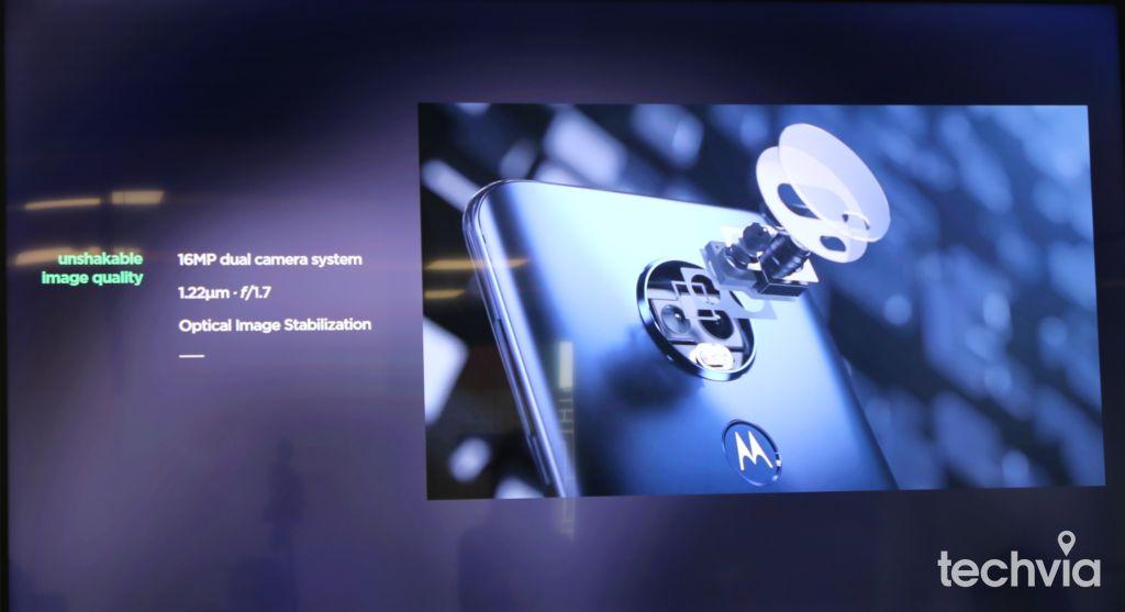 Marek Tóth predstavuje smartfón Moto G7 Power