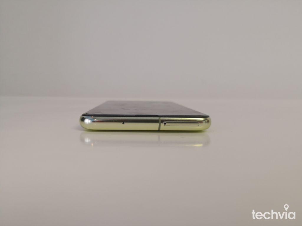 kovové telo Samsung Galaxy S10e