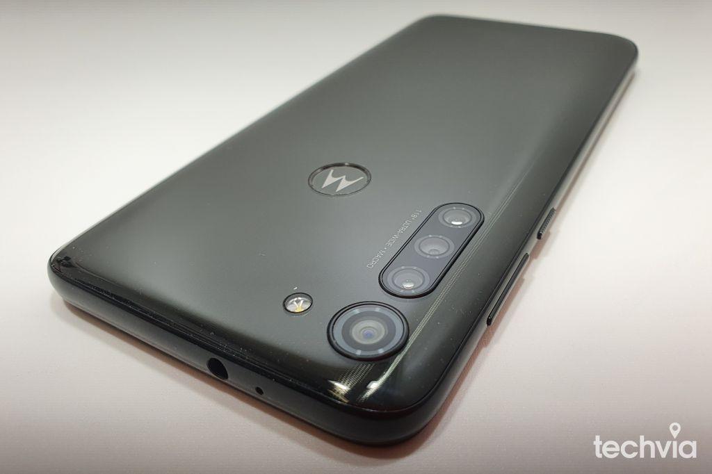 smartfón motorola g8 power