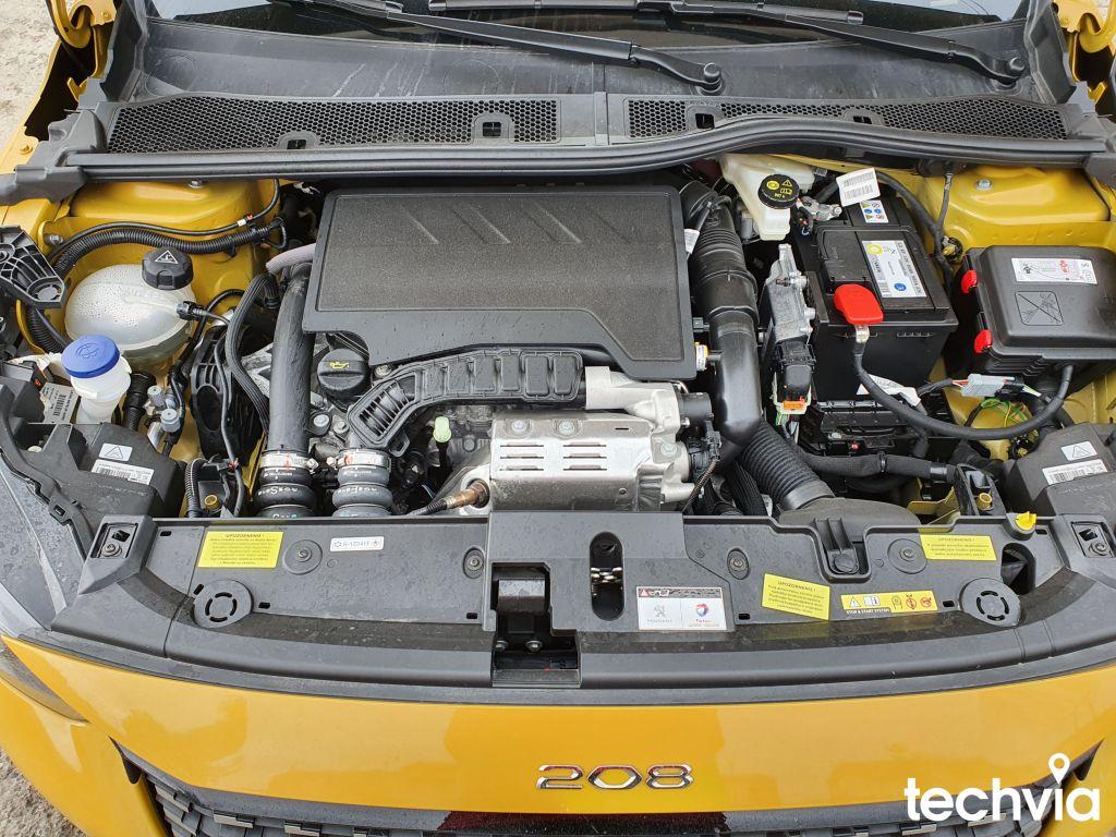 motor PEUGEOT 208