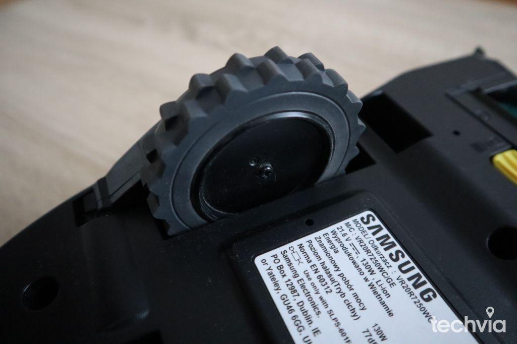 Robotický vysávač SAMSUNG VR20R7250WC POWERbot™