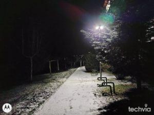 fotografia nasnímaná telefónom moto g30 režim noc