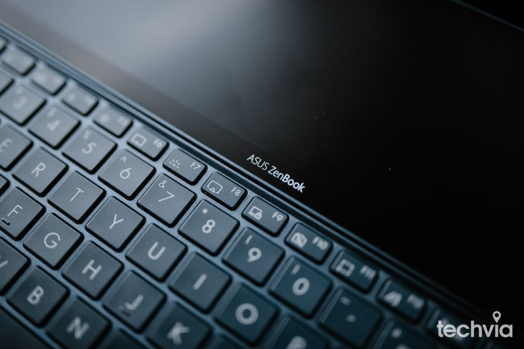 klávesnica Asus ZenBook Duo UX482E