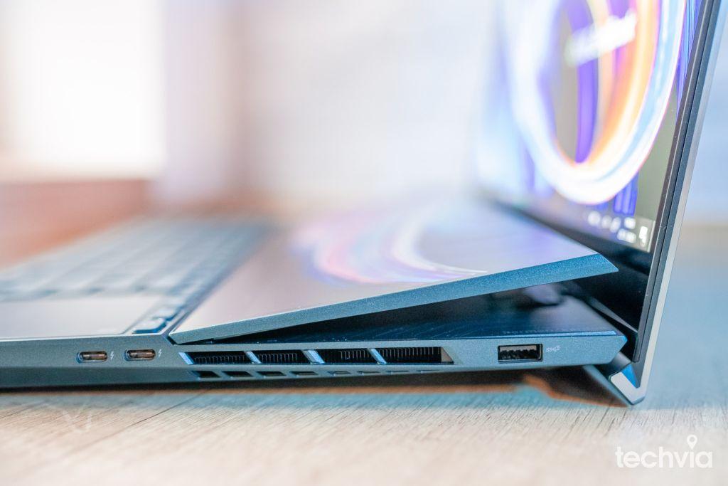 Asus Zenbook Pro Duo UX582LR