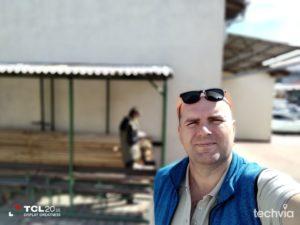 selfie fotografia nasnímaná smartfónom TCL 20 SE