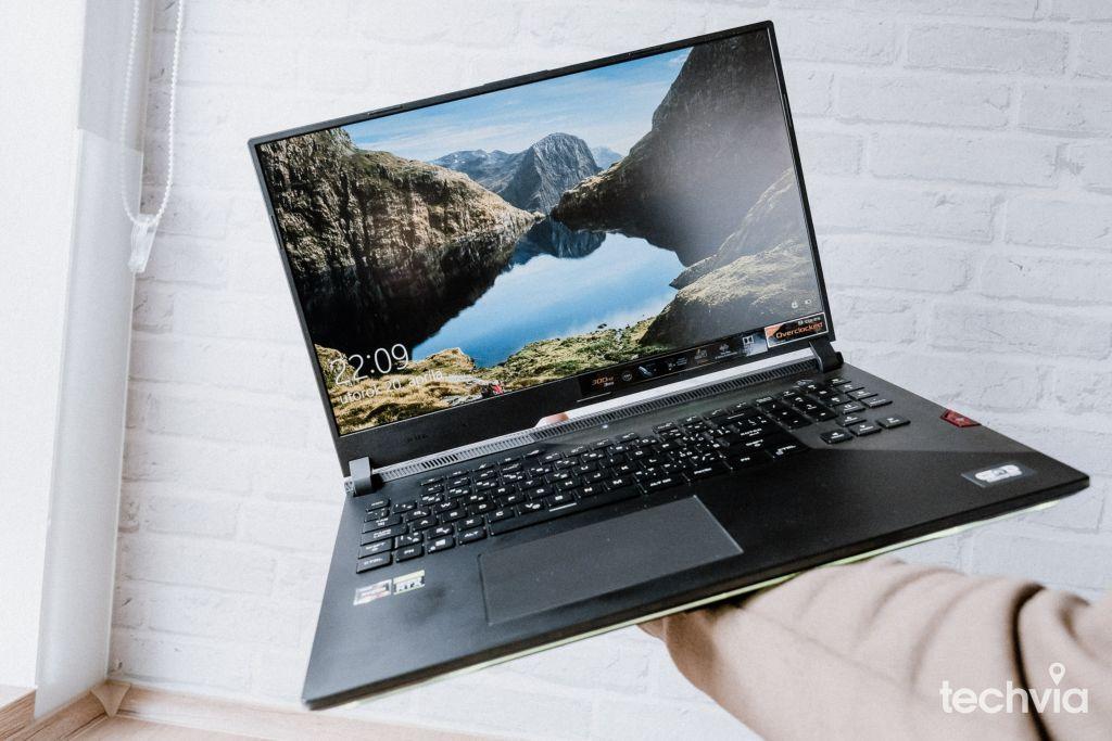 notebook ROG Strix SCAR 17 G733